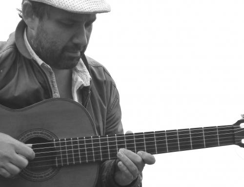 La gira europea del cantautor Martín Neri pasará por Café del Puerto en Marina Rubicón